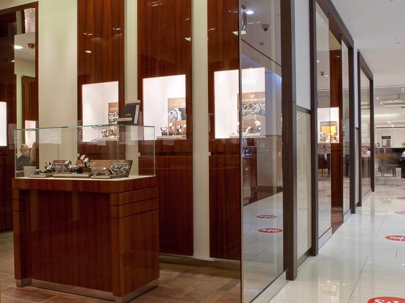 Продажа торгового оборудования нашим клиентам готовый заказ